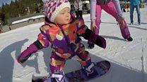 Як 11-місячне маля катається на сноуборді