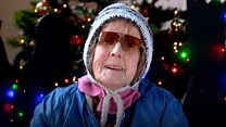 """""""На Рождество я всегда одна"""": как одиноким людям устраивают праздник"""