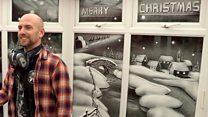 """""""Снеговик"""" рисует сногсшибательные рождественские картины на окнах"""