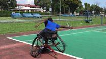 Il dompte le handicap et réalise son rêve de tennisman