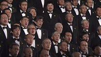 10,000 people sing Japan's Christmas song