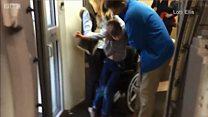 รณรงค์ให้นำรถเข็นคนพิการเข้าห้องโดยสารเครื่องบินได้