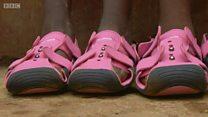 """الحذاء الذي """"يكبر"""" مع قدمك"""