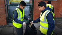 Muslim youth clean streets on New Year