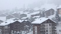 Thousands stranded in Swiss ski resort