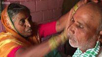 حلاقة الرجال في الهند تجري على رزق بناتها
