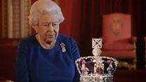 Як носити корону: поради від Єлизавети ІІ