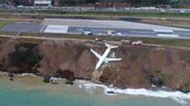 Plane skids off runway in Turkey