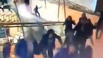بالفيديو: انهيار سقف طابق بمبنى بورصة جاكرتا