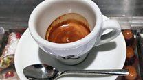 3 أسباب تدفع محبي القهوة في إيطاليا لشربها داخل المقهى