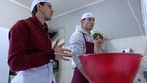 Как работает пекарня для людей с умственной инвалидностью