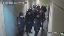 Russian police raid offices of Putin critic