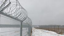 Литва отгородилась забором от России