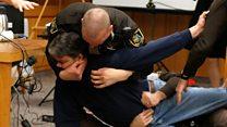 Üç kızı tacize uğrayan babadan ABD jimnastik takımı eski doktoru Nassar'a saldırı girişimi