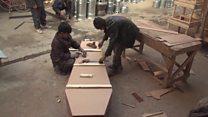 لماذا تزدهر صناعة التوابيت في كابول؟