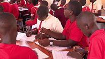 """En Ouganda, l'enseignement """"gratuit"""" a en fait un prix"""