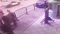 پولیسو له ودانې غورځېدونکی ماشوم ژغورلی