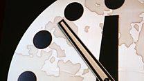 ما معنى عبارة doomsday clock؟