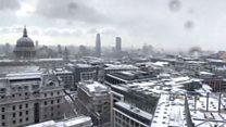 लंडनमध्ये बर्फाचं साम्राज्य पसरतं तेव्हा...
