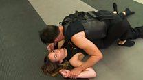 تعرضت لمحاولة اعتداء جنسي فأصبحت مدربة دفاع عن النفس