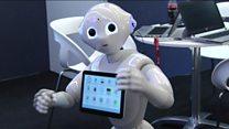 Click: кишинин көңүлүн түшүнө алган роботтор