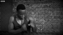 Незрячий боксер вчить інших захищатися