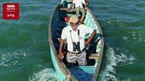 """குஜராத்: கடல் உயிரினங்களை காக்க போராடும் """"சுறா மனிதர்"""""""