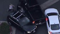 कॅलिफोर्नियामध्ये पोलिसांच्या श्वानानं एका संशयिताला पकडलं.