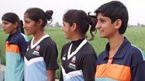 हरियाणा का वो गांव जहां फुटबॉल है लड़कियों की ज़िंदगी