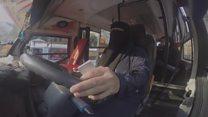 Nữ tài xế lái xe buýt đầu tiên ở Ai Cập