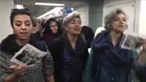 انتقاد محافظهکاران تندرو از زنان معترض به حجاب اجباری
