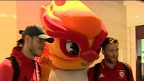 Bale arrives for China Cup with Wales