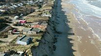 Жизнь над обрывом: как море отбирает дома у людей