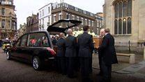 Crowds bid farewell to Stephen Hawking