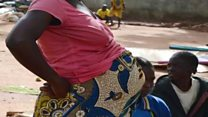 How you fit help anoda woman carry her belle
