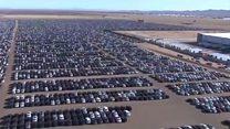 """El enorme """"cementerio"""" de autos diésel de Volkswagen en California, Estados Unidos"""