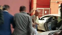 Supporters block Lula's car