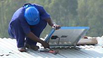 Las baterías que revolucionan el sector eléctrico en zonas remotas de África y Asia