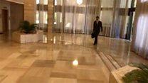 Síria tuíta vídeo de presidente entrando em gabinete com legenda 'manhã de perseverança'