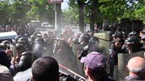 Ermənistanda Serj Sarkisyanın baş nazir seçilməsinə qarşı etirazlar