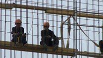 पाहा व्हीडिओ : हे कामगार उत्तर कोरियाच्या सरकारचे अधिकृत गुलाम आहेत