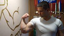 Ненужный чемпион. Белорусский армрестлер копит на чемпионат мира с пенсии по инвалидности