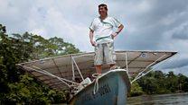 A canoa solar que ajuda comunidades a navegar sem gasolina na Amazônia