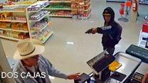 Cómo el cliente de una carnicería logró detener a un ladrón armado en Monterrey, México