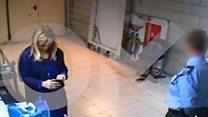"""فيديو """"السرقة"""" يعجل باستقالة رئيسة إقليم مدريد"""