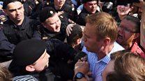 Navalny arrested at protest against Putin