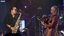 Trần Mạnh Tuấn và Nguyên Lê ngẫu hứng jazz