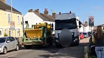 Call to stop pavement-mounting lorries