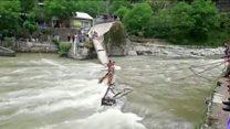 Students killed as Pakistan bridge collapses