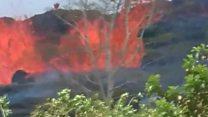 हवाई में धधकता ज्वालामुखी